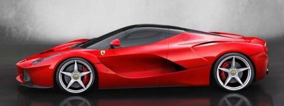 LaFerrari: Apple et Ferrari présentent leur partenariat au Mondial de l'auto