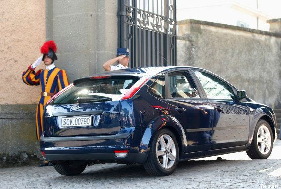 PHOTOS. Le pape François a opté pour une Ford