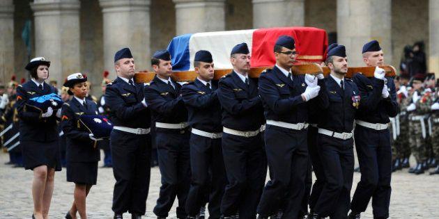 PHOTOS. François Hollande rend hommage à Stéphane Hessel aux Invalides à