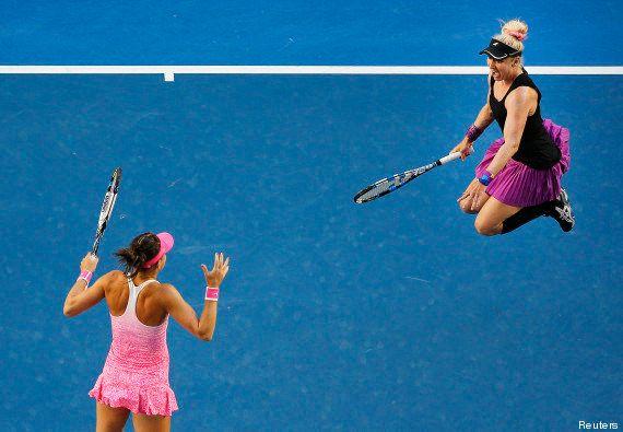 PHOTOS. Ces joueuses de tennis célébrant leur victoire ont bien fait rire les