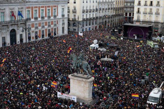 PHOTOS. Podemos, allié de Syriza, rassemble au moins 100.000 personnes à