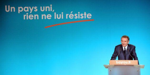 Municipales: le Modem de Bayrou écartelé entre PS et