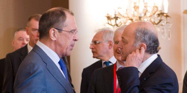 Armes chimiques en syrie: le faux dialogue de sourd entre Fabius et Lavrov sur la résolution de l'ONU...
