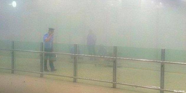 PHOTOS. Chine: à l'aéroport de Pekin, un homme en chaise roulante fait exploser une