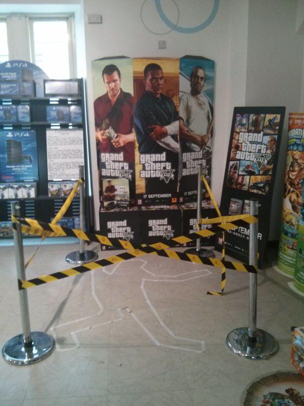 VIDÉOS. GTA 5 : pour la sortie du jeu, files d'attente, fans aux anges et photos