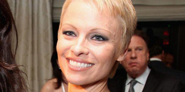 PHOTO. Pamela Anderson a changé de couleur de