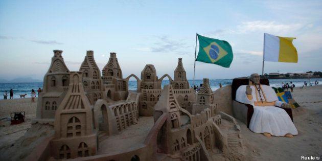 Journées mondiales de la jeunesse au Brésil: pour le Pape, un voyage pour revigorer une église