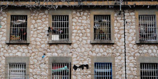 Marseille : un homme tué par balles devant la prison des
