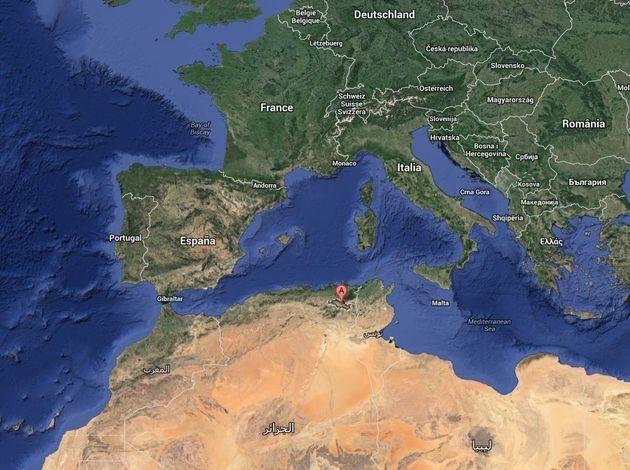 Un crash d'avion militaire en Algérie fait une centaine de morts, un survivant