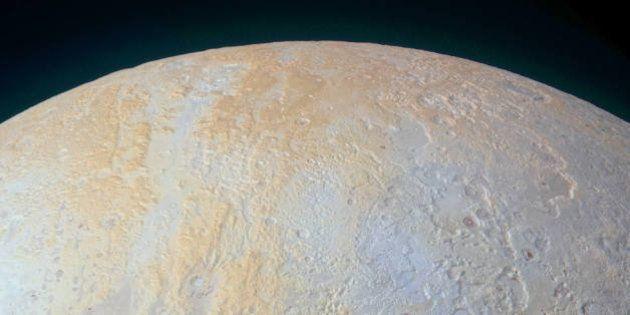 PHOTOS. Les canyons de glace de Pluton dévoilés par la sonde New