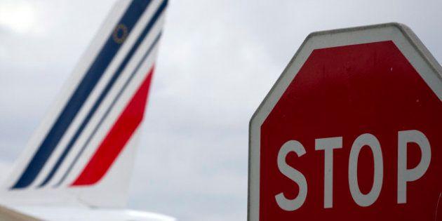 Crise à Air france : 2800 postes supplémentaires pourraient être