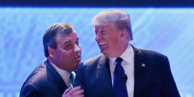 Donald Trump décroche le soutien de Chris Christie et s'ouvre un boulevard vers la victoire aux