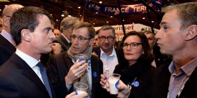 Après François Hollande, Manuel Valls se lance dans l'arène du Salon de