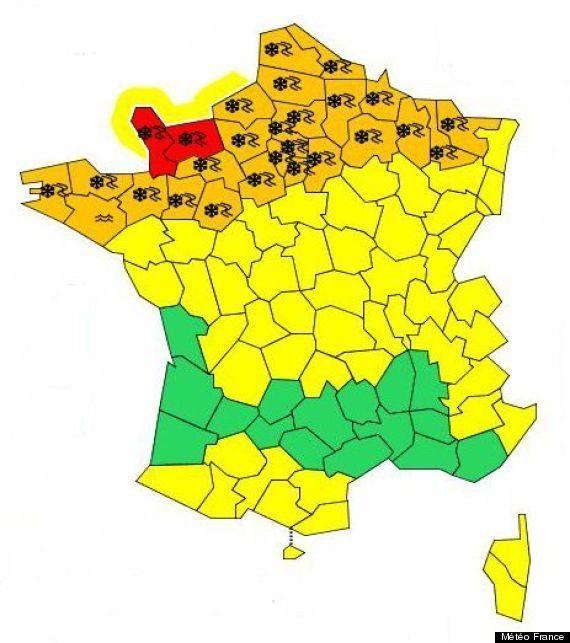 EN DIRECT. 28 départements en alerte orange neige et verglas, 2 en alerte rouge, perturbations sur les...