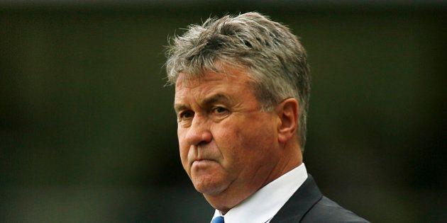 Chelsea nomme Hiddink entraîneur jusqu'à la fin de