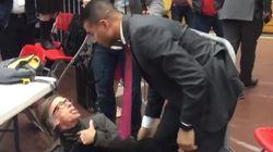 Un meeting de Trump interrompu par une manif, un photographe