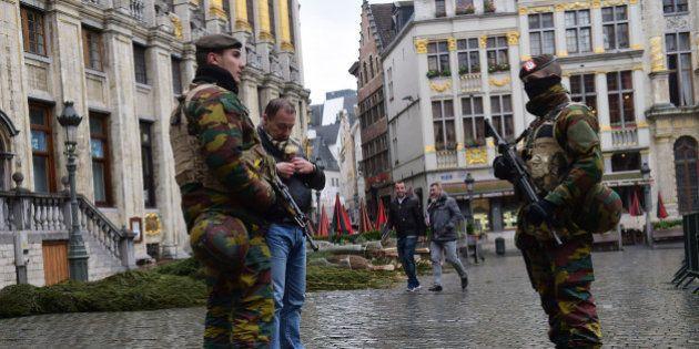 Attentats de Paris : une perquisition à Bruxelles et deux