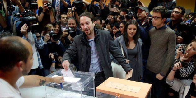 Législatives en Espagne : les conservateurs en tête mais sans majorité absolue, Podemos