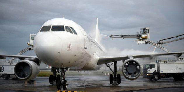 Trafic aérien: une grève des contrôleurs aériens mercredi qui conduirait à une annulation de 40% des