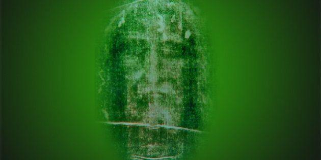 Le suaire de Turin créé par un séisme ? Des scientifiques croient que l'image de Jésus-Christ serait...