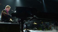 À Moscou, Elton John dénonce la loi russe