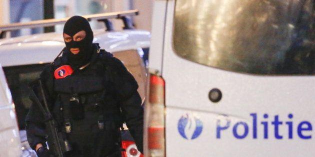 Cinq arrestations à Bruxelles dans l'enquête sur les attentats du 13