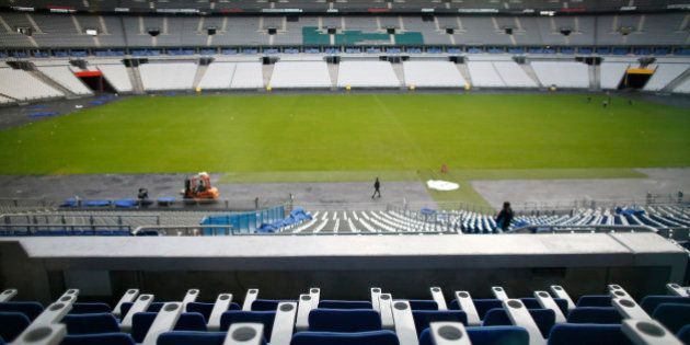 Michel Platini et Sepp Blatter pourront encore aller au stade... s'ils payent leur