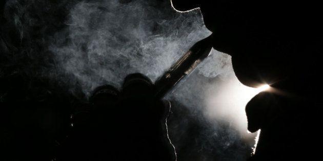 Vente de cigarettes électroniques: la justice donne raison aux buralistes et relance le débat sur la