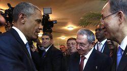 Poignée de main historique entre Obama et Castro au
