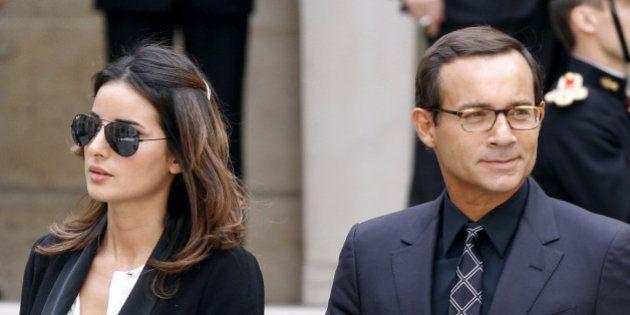 La veuve de Jean-Luc Delarue, soupçonnée d'avoir envoyé des emails menaçants, placée en garde à
