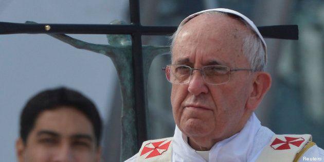 Le pape François parle des homosexuels, du