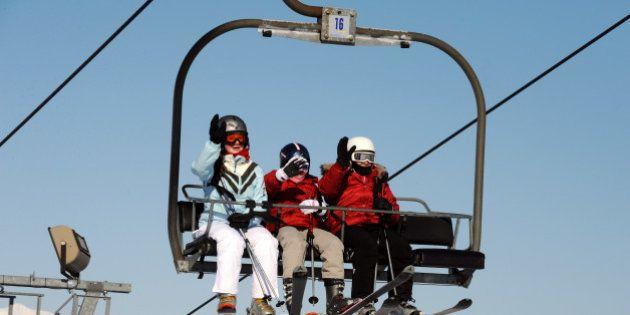 En manque de neige, les stations de ski de Val Thorens et des Ménuires demandent aux habitants de ne...