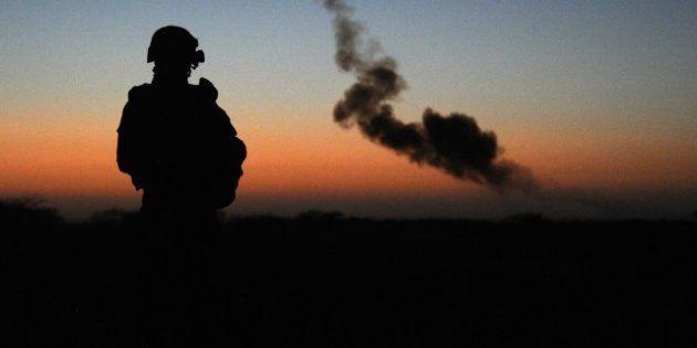 SONDAGE. 10 ans après l'Irak, la France assume sa neutralité... et fait la guerre