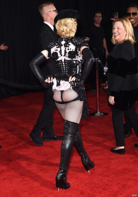 PHOTOS. Grammy Awards 2015: Madonna montre son derrière sur le tapis