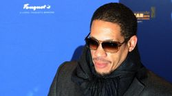 Ivre, Joey Starr débarqué d'un vol Nice-Paris, Air-France porte