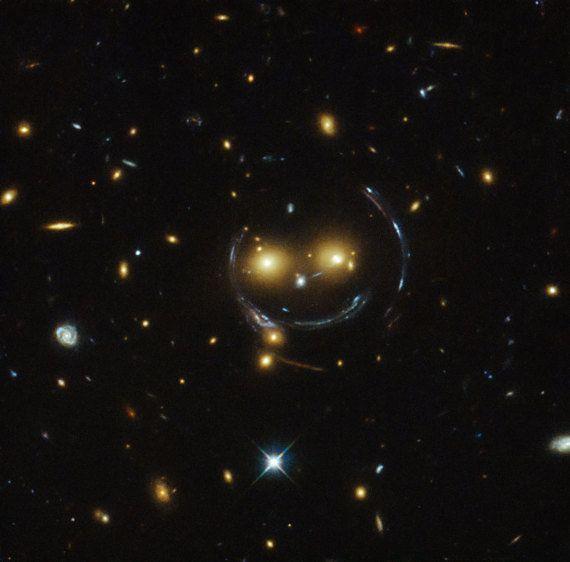 PHOTO. Une galaxie qui sourit découverte par le télescope