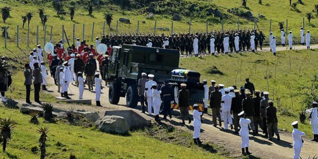 Les adieux à Nelson Mandela : l'Afrique du Sud enterre son premier président