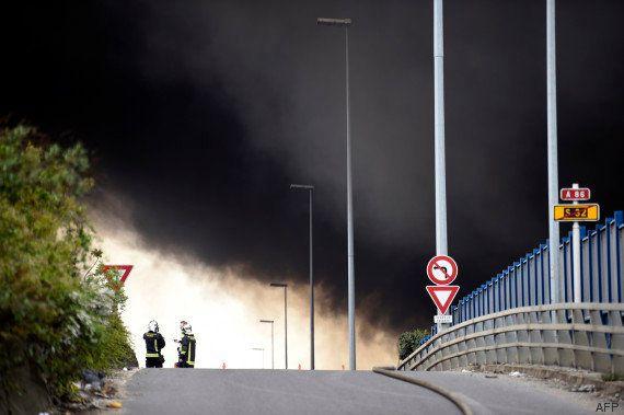 Incendie d'un entrepôt à La Courneuve: l'A86 entièrement rouvert, bouchons au nord de Paris, le RER