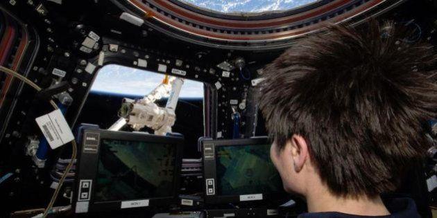 PHOTOS. La capsule non habitée Dragon a réussi son rendez-vous avec la Station spatiale