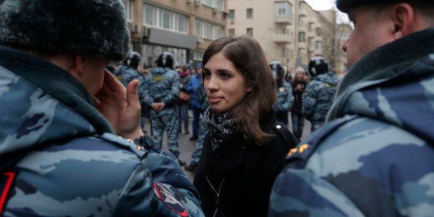Russie: deux membres des Pussy Riot et l'opposant Alexeï Navalny interpellés lors d'une