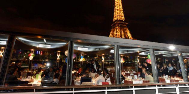 Dans les restaurants parisiens, les réservations en chute libre pour le réveillon du