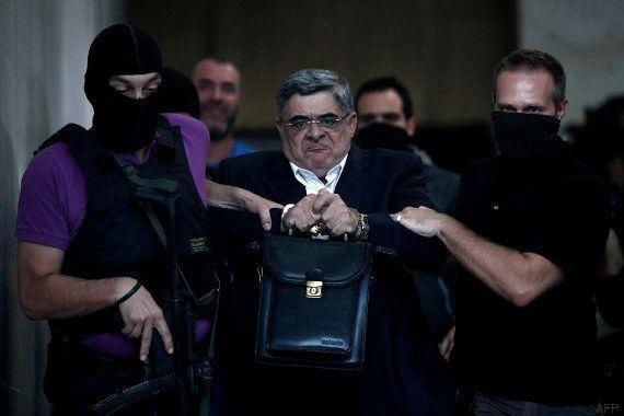 Aube dorée, parti politique néonazi ou organisation criminelle ? La justice grecque va trancher avec...