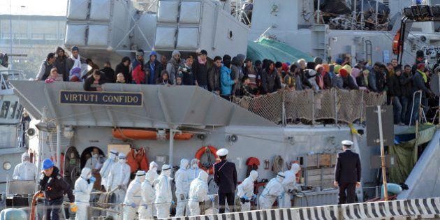 Naufrages de migrants en Méditerranée: quelles solutions