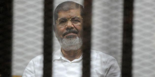 Mohamed Morsi condamné à 20 ans de prison, l'ex-président égyptien échappe à la peine de
