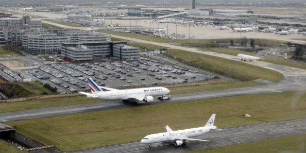 Grève à Roissy des salariés d'Aéroports de Paris: au moins 2 vols sur 10 annulés
