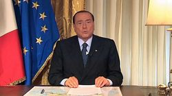 Les parlementaires du parti de Berlusconi remettent leur