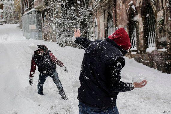 PHOTOS. Istanbul recouverte de neige le 31 décembre (alors qu'il fait 12°C à