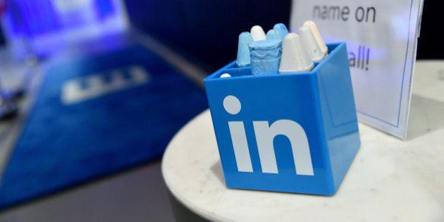 Le patron de LinkedIn renonce à son bonus de 14 millions de dollars pour le distribuer à ses