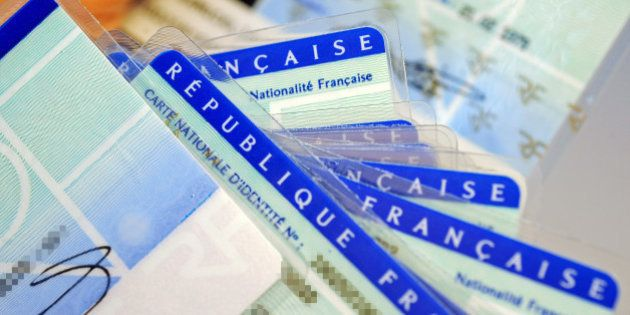 Déchéance de nationalité : aucun texte international n'empêche la France de rendre une personne