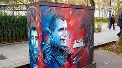 Un pochoir pour rendre hommage à Ahmed Merabet, policier assassiné par les frères